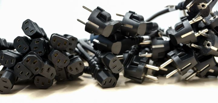 Plug-Adapter-Featured